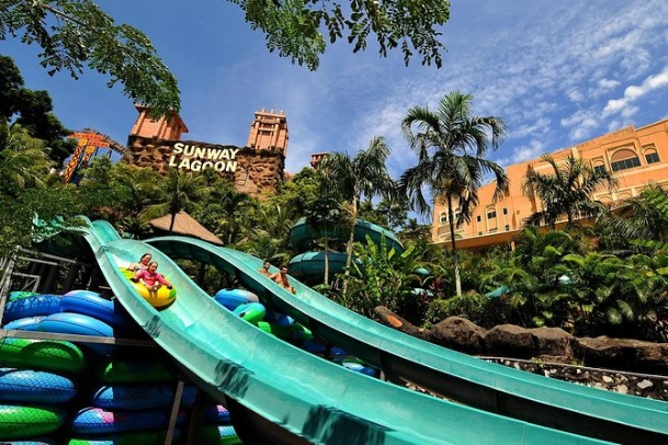 Sunway Lagoon Theme Park in malaysia