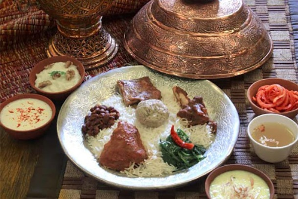 Taste the Kashmiri Cuisine