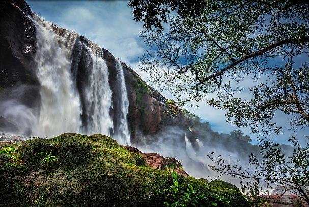 Athirapally Waterfalls Trekking -best time to visit falls-seasonz ...