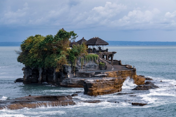 Experience the Serenity of the Tanah Lot Temple