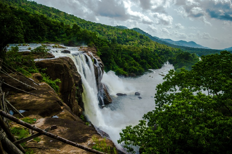 Athirapilly Munnar Tour Packages