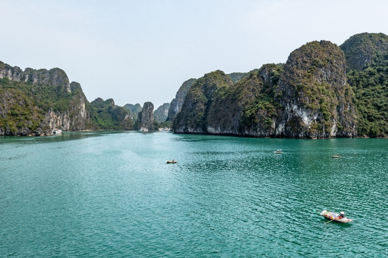 Vietnam Tour Packages with Cruise