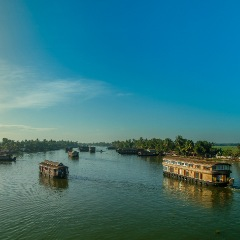 Munnar to Alleppey Houseboat